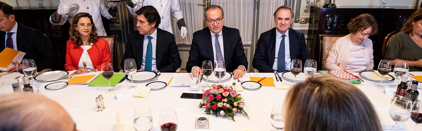 Almuerzo con el Procurador General de Colombia