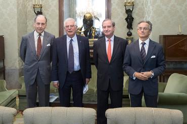 Reunión del ministro Josep Borrell con el secretario general de la FCECo
